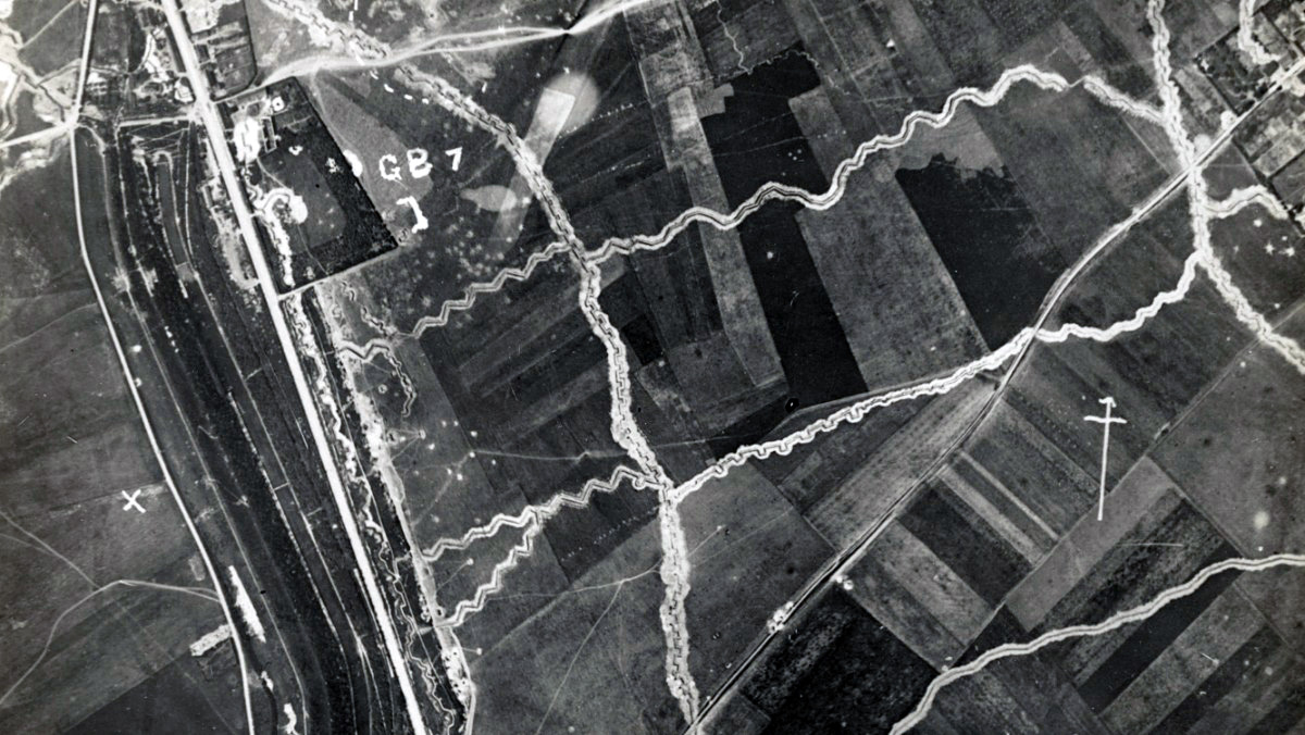 Aerial Reconnaissance photograph of trenches c1917